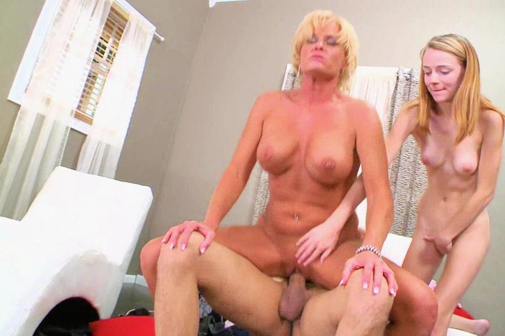hottest older women nude