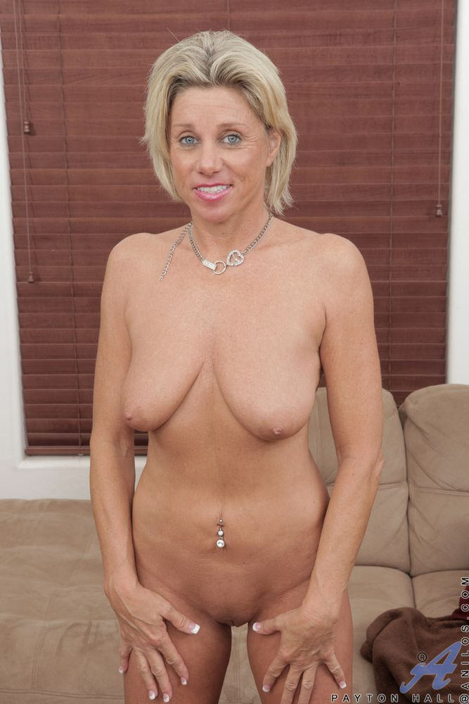 Blonde Older Women Nude 8