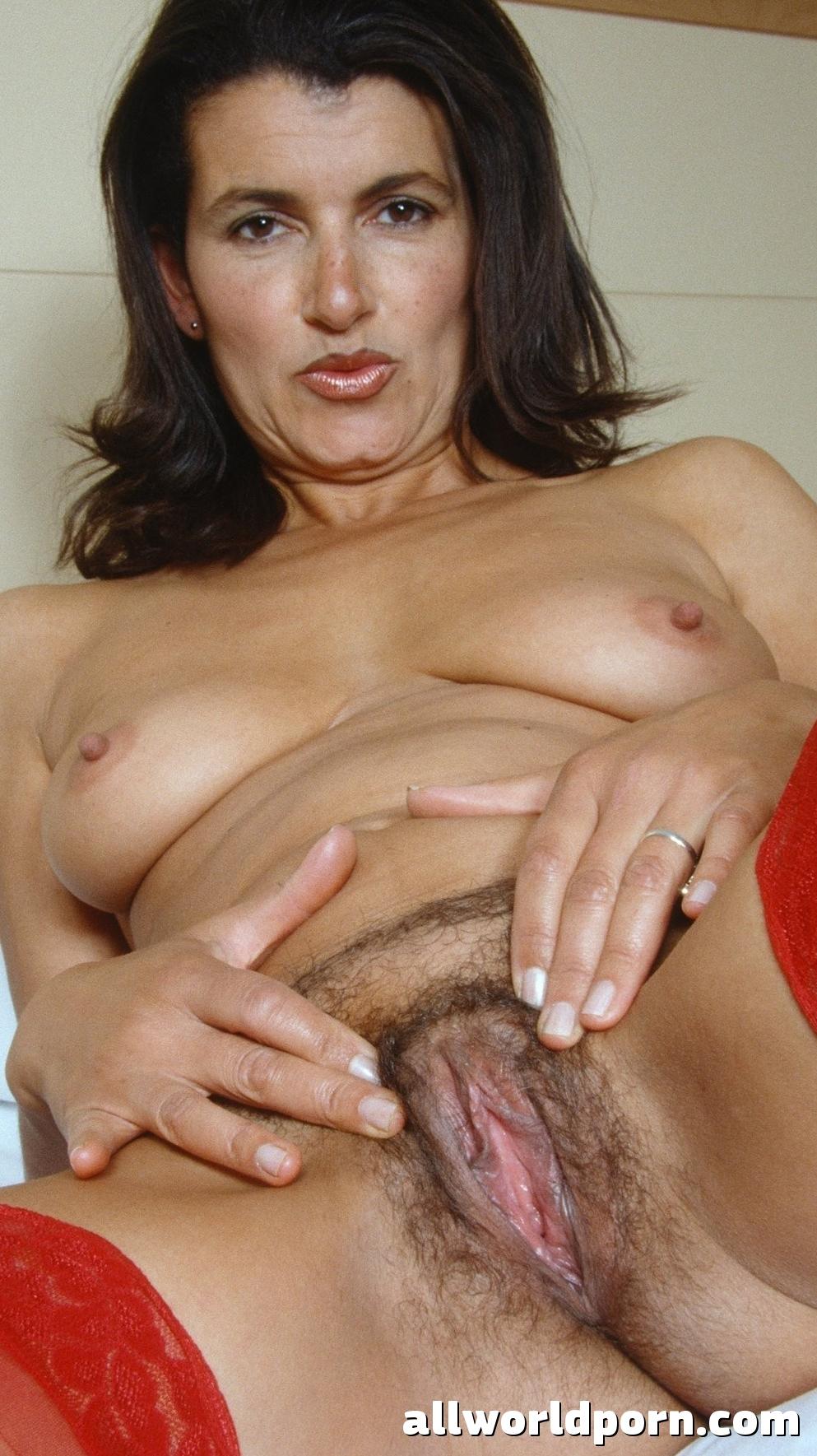 Hot Naked Milf Porn Image 132072