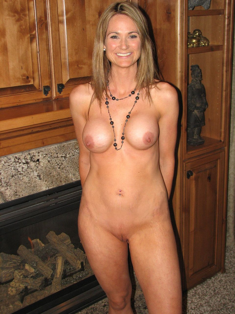 Older hot mom naked