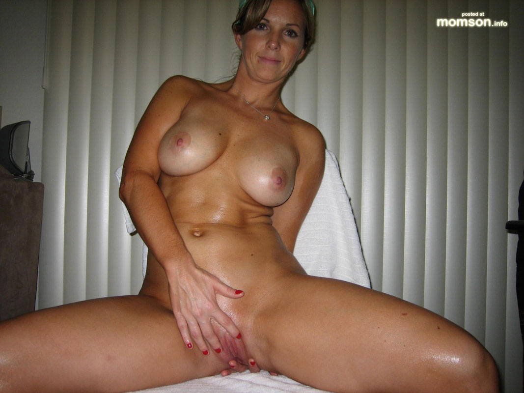 On nude hot boat mom