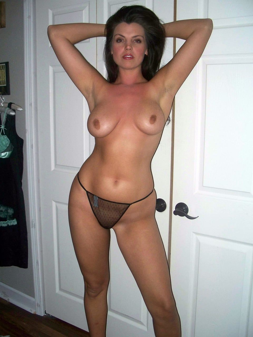 hotmoms nude