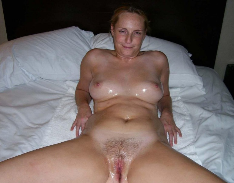 Wifes first nude massage