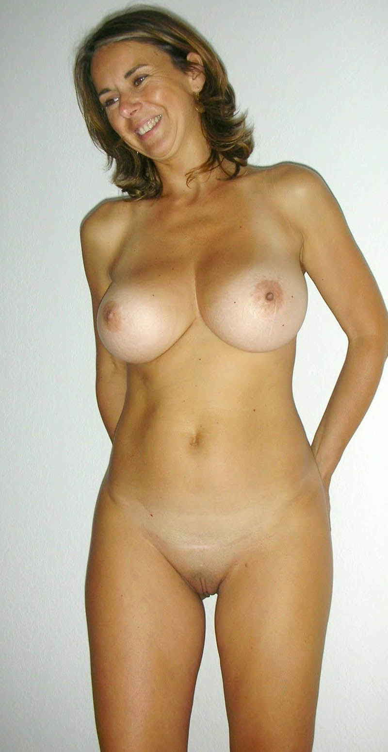 Hot Nude Wife Pics Nude Pics Media Wife Hot: www.older-mature.net/hot-nude-wife-pics/164296.html