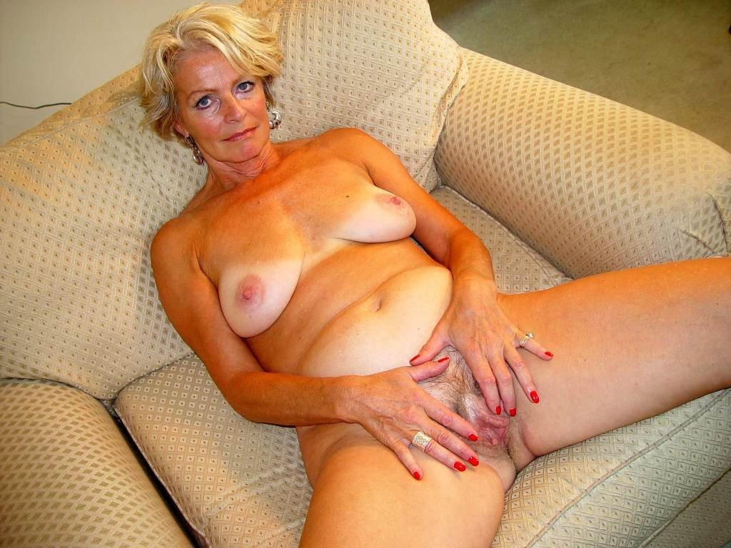 Mature blonde women naked