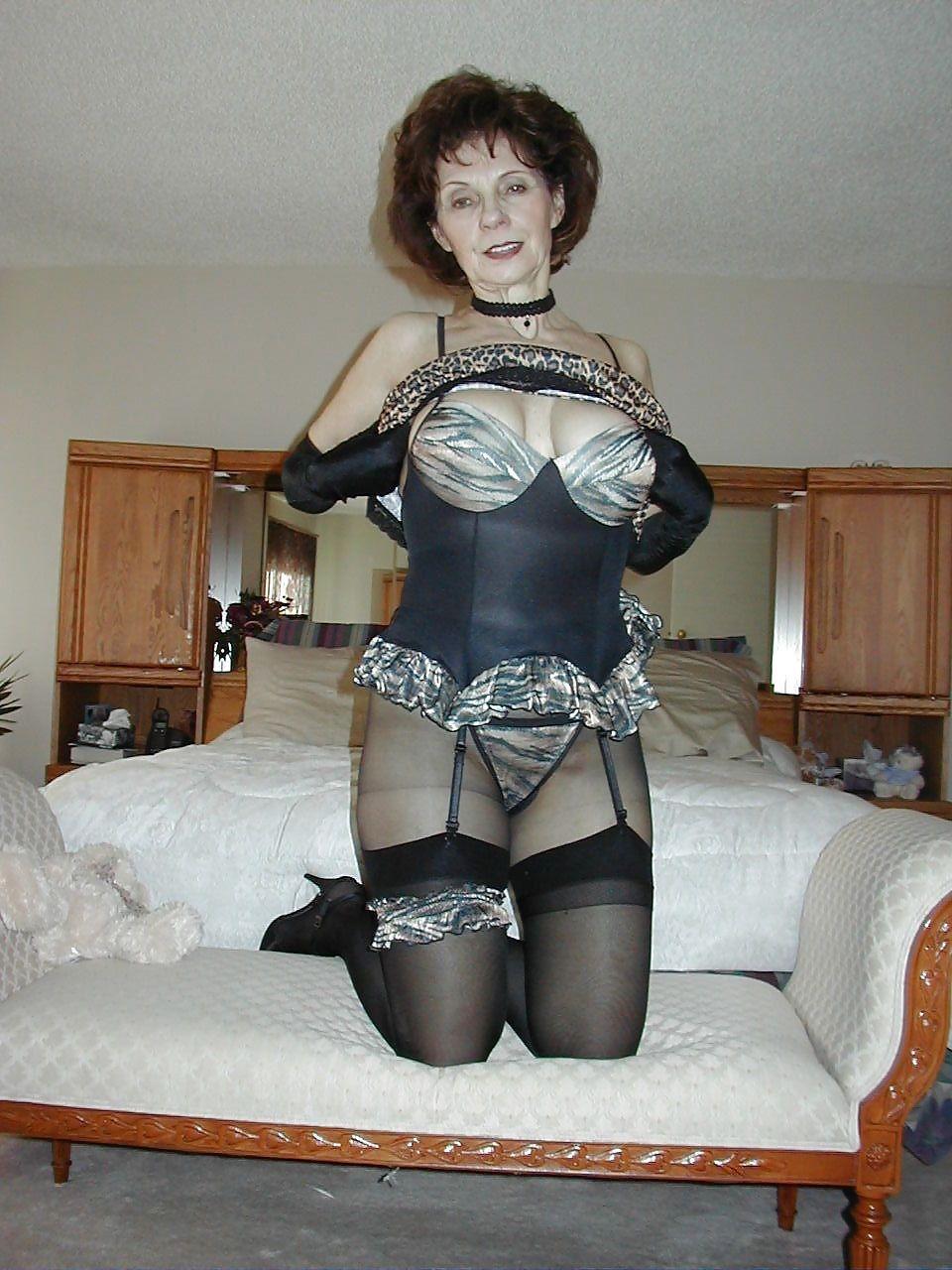 Бабушки в сексуальном белье
