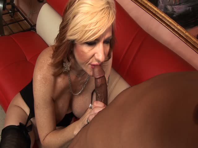 Interracial mature porn clips