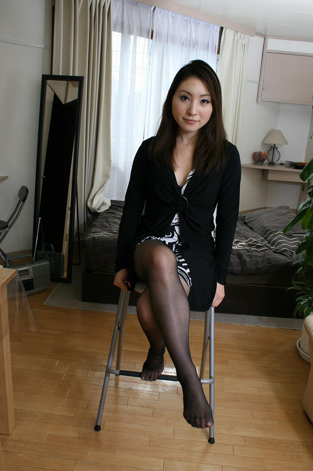 Japanese Mature Porn Media Original Mom Japanese Pantyhose Thighs ...