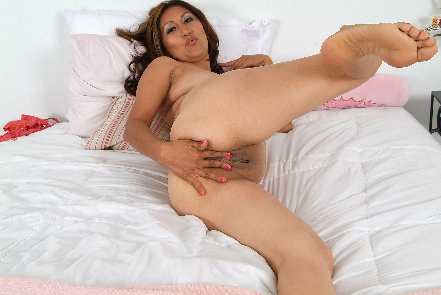 Mature latina cream pies