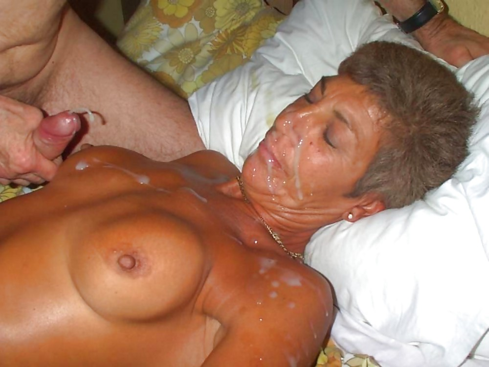 Cum on mature lady