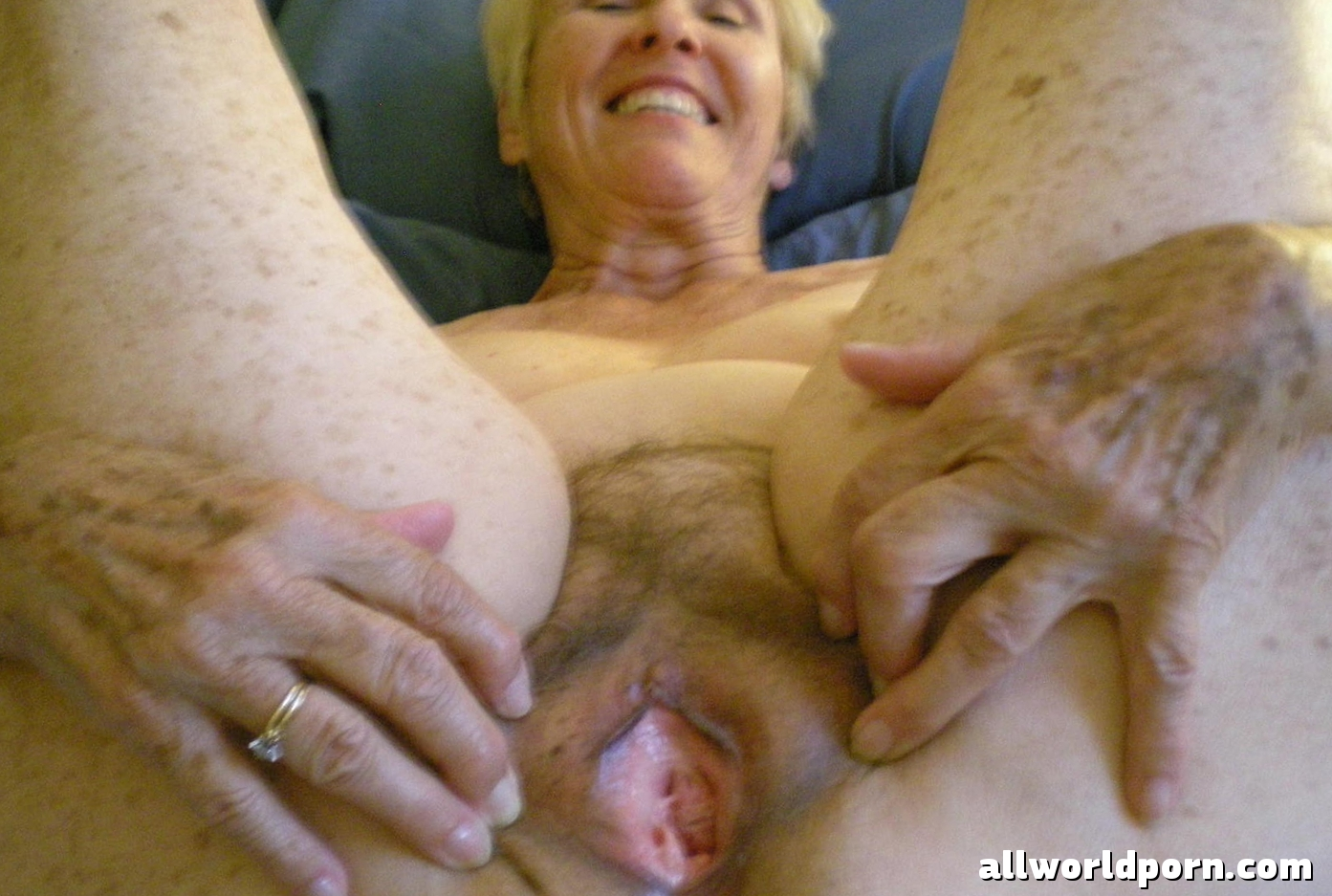 Bare old woman porn nude comic