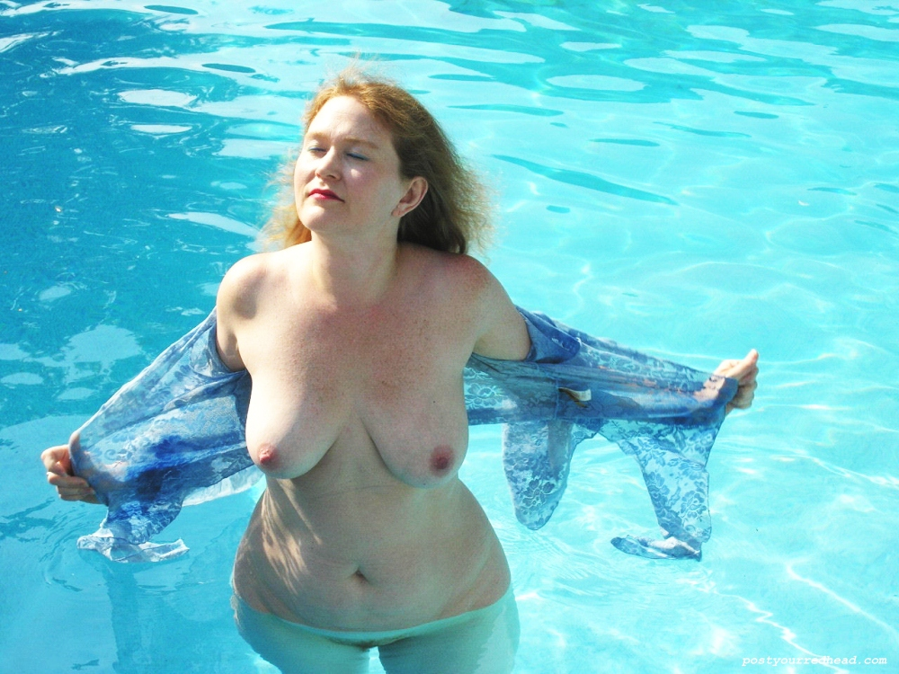 women pool the nude at Amateur