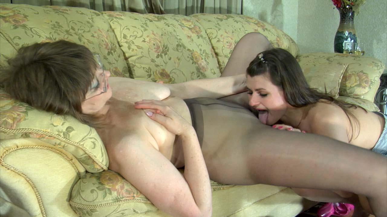 Зрелые лесбиянки онлайн ролики