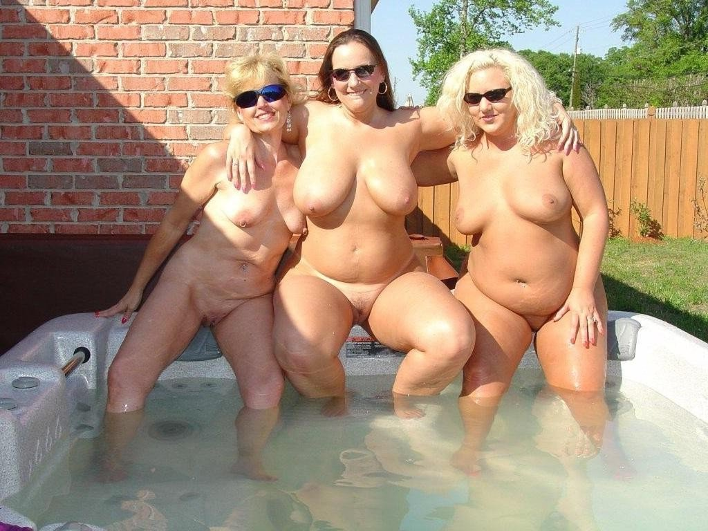free bathing girl naked