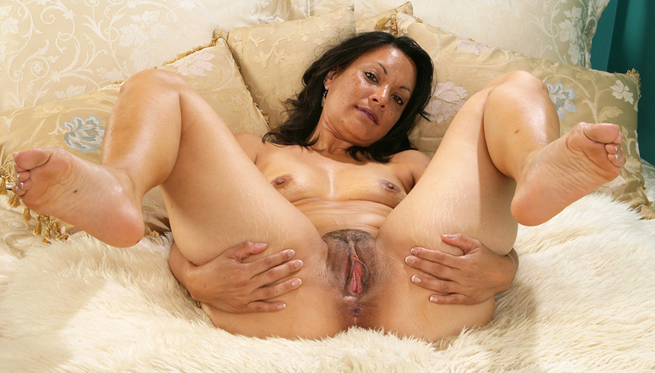 Wide pussy wife mom spread mature