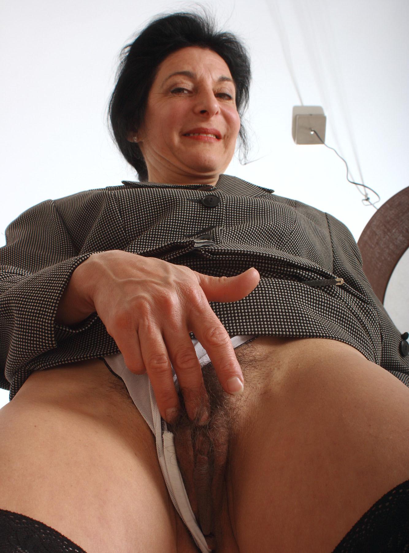 Porn online old secretary
