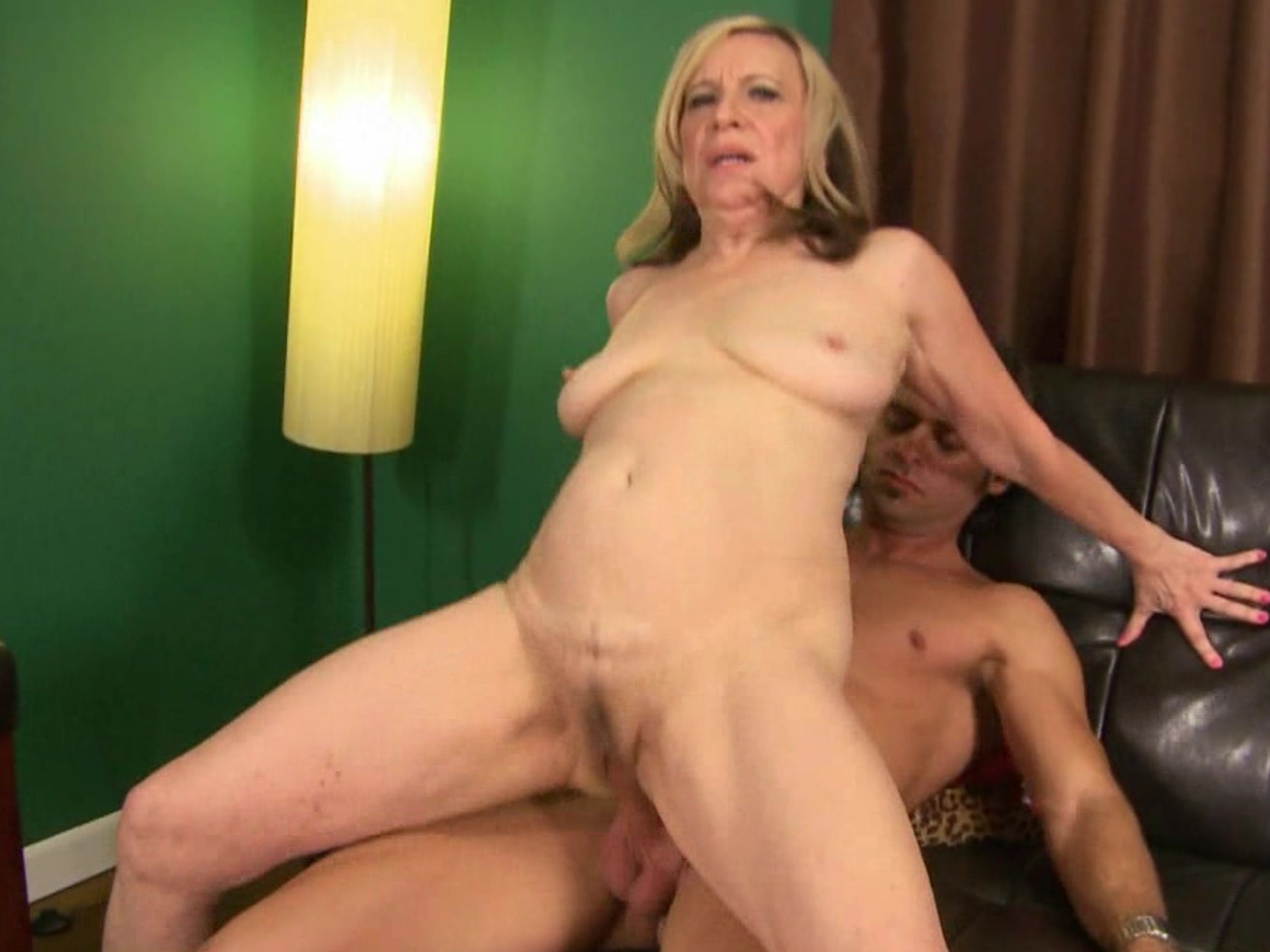 myvideo de milf bound and gagged