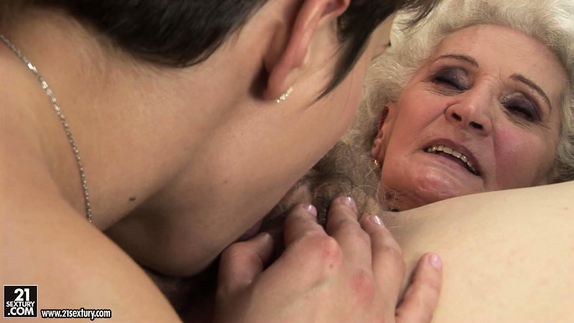 Язык в жопу порно онлайн 11 фотография