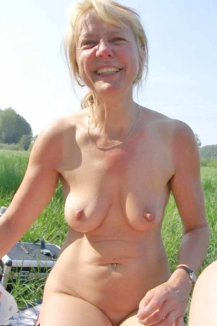 Big natural hanging tits wives