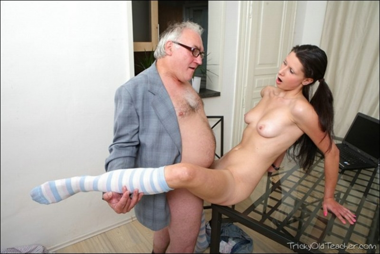 Mature vs young cock sex pics