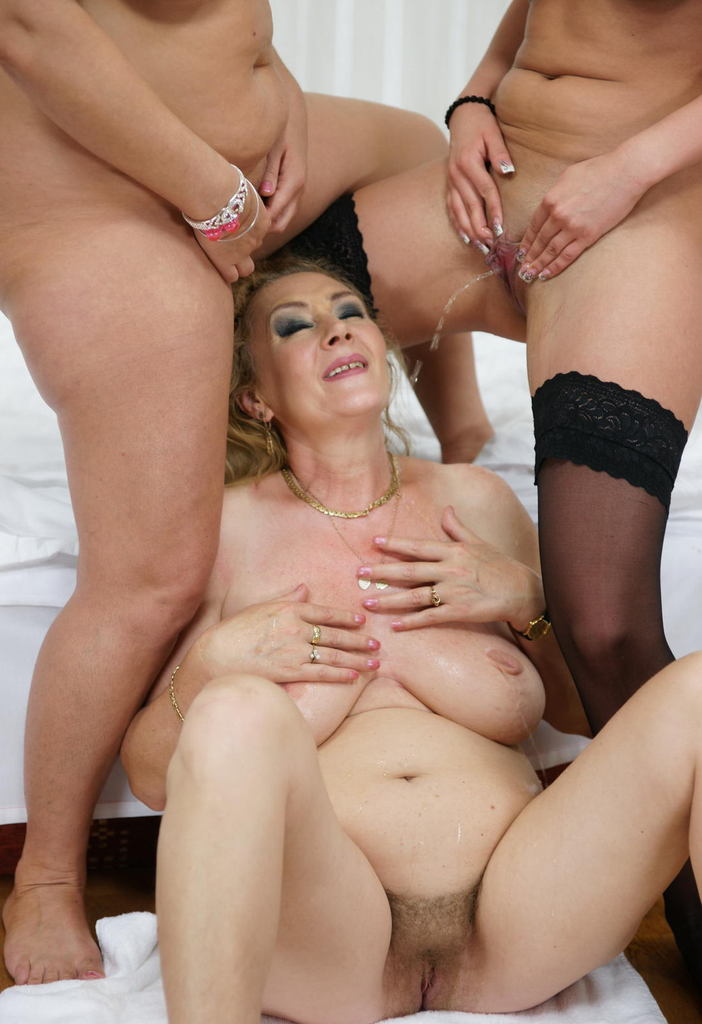 Old Woman Lesbian Porn Image 289118