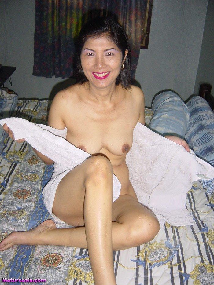 Nude girls gone wild anal
