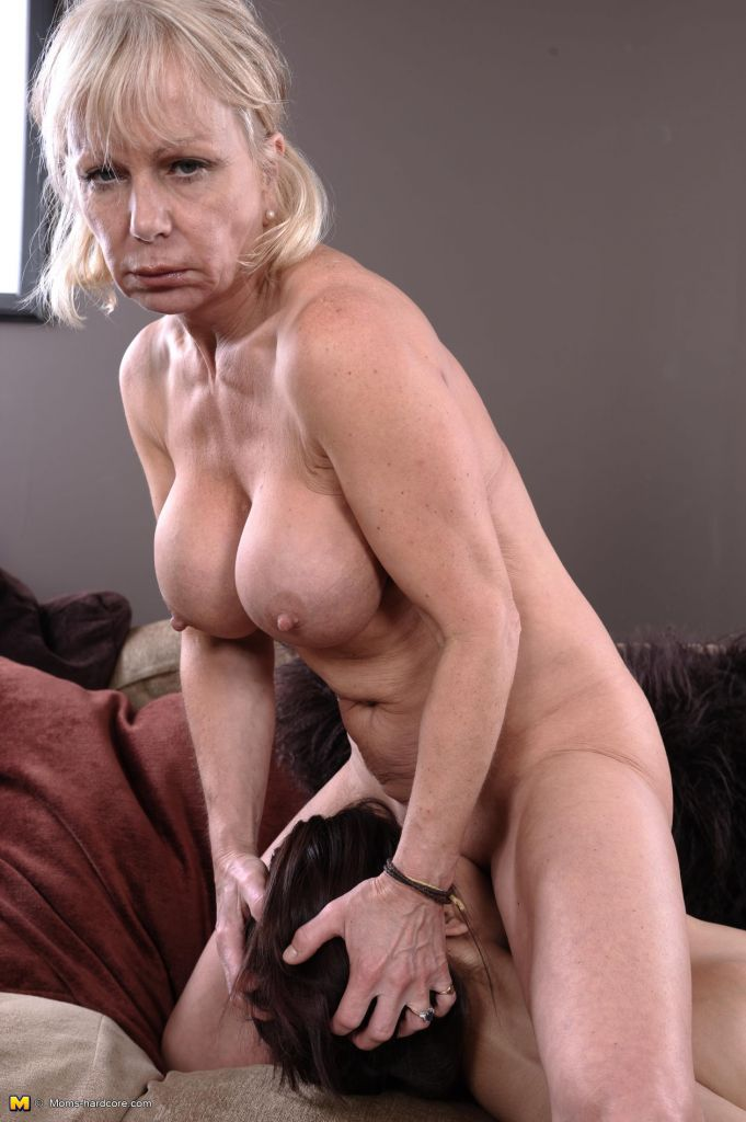 Milf hunter mikes apartment porn
