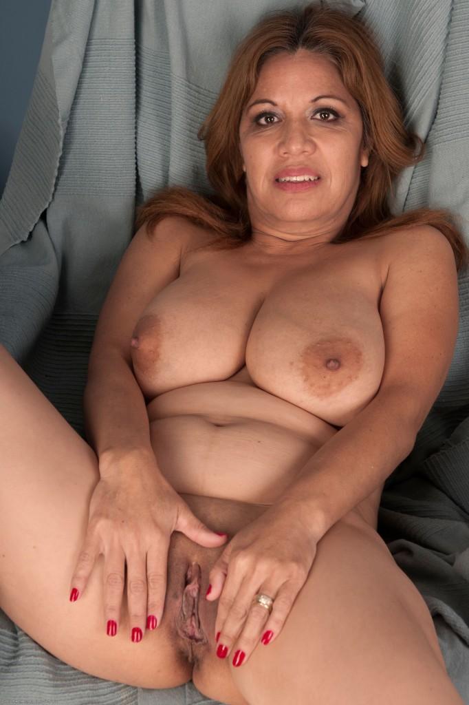Amateur Chubby Huge Tits