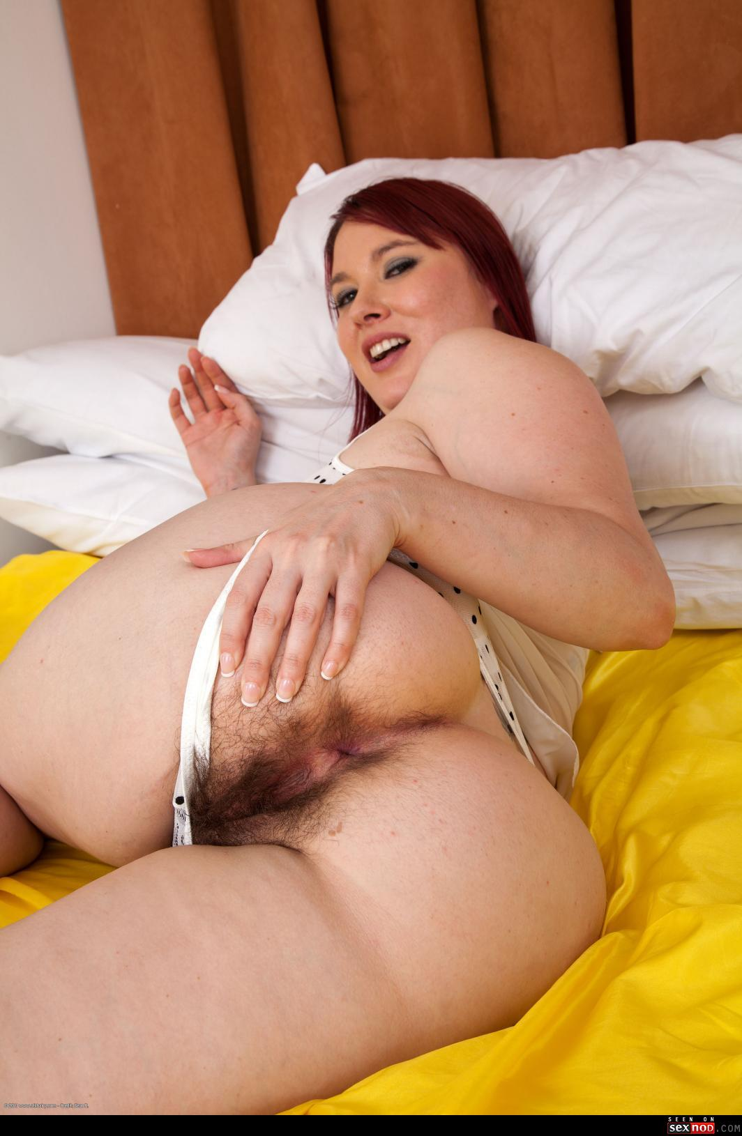 Bbw wifes hairy asshole hairy pussy on all 4s 6