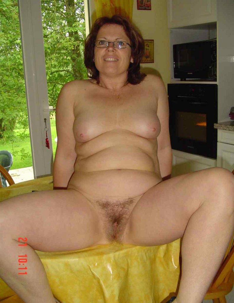Nackt mom hot old