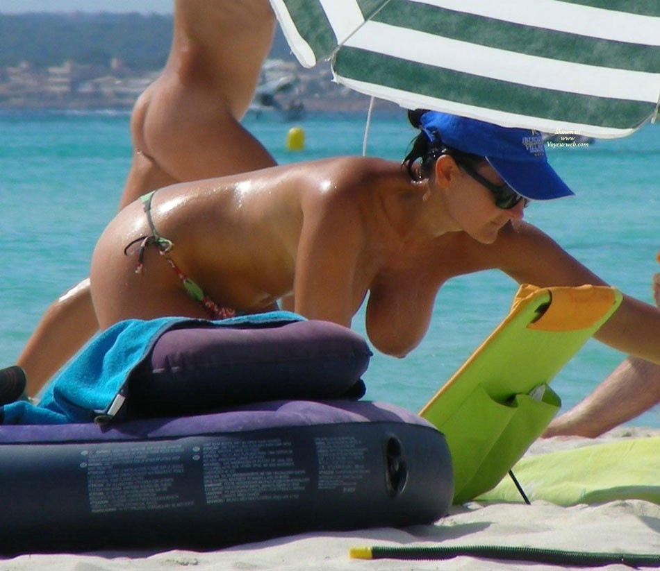 Mature Beach Porn Pictures Amateur Porn Photos Photo Tube Beach ...