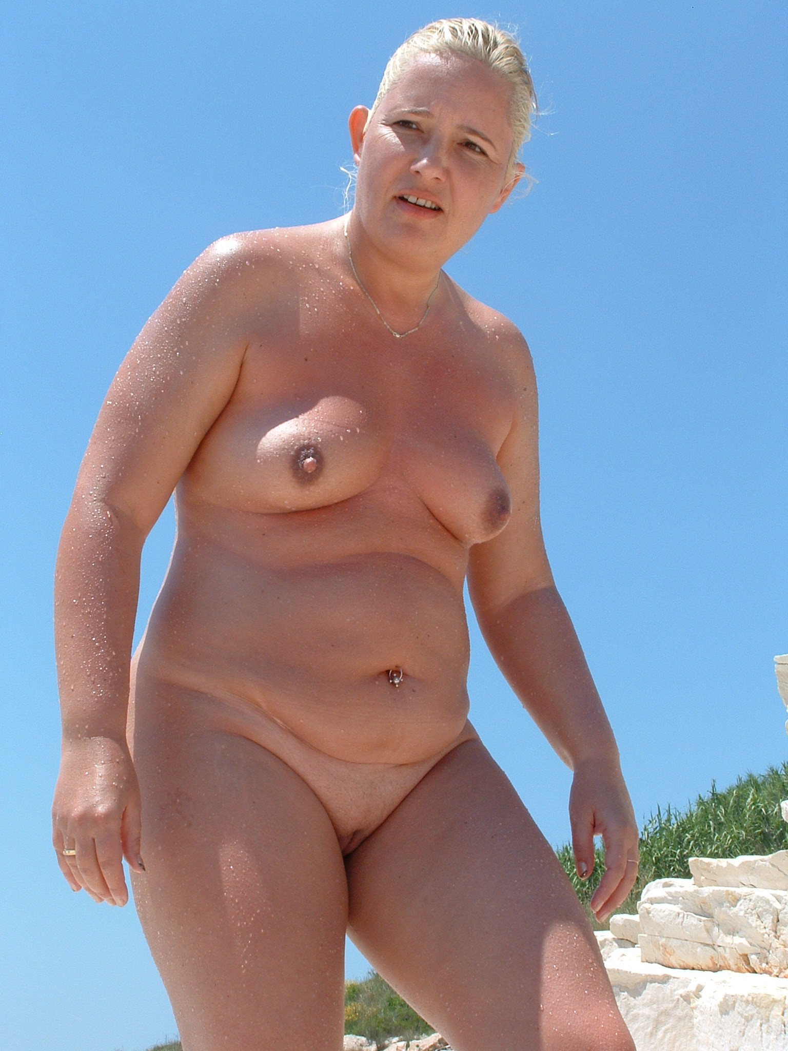 Amateur beach porn