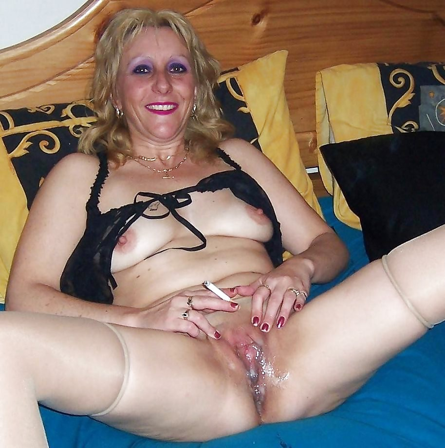Granny double penetration slutload
