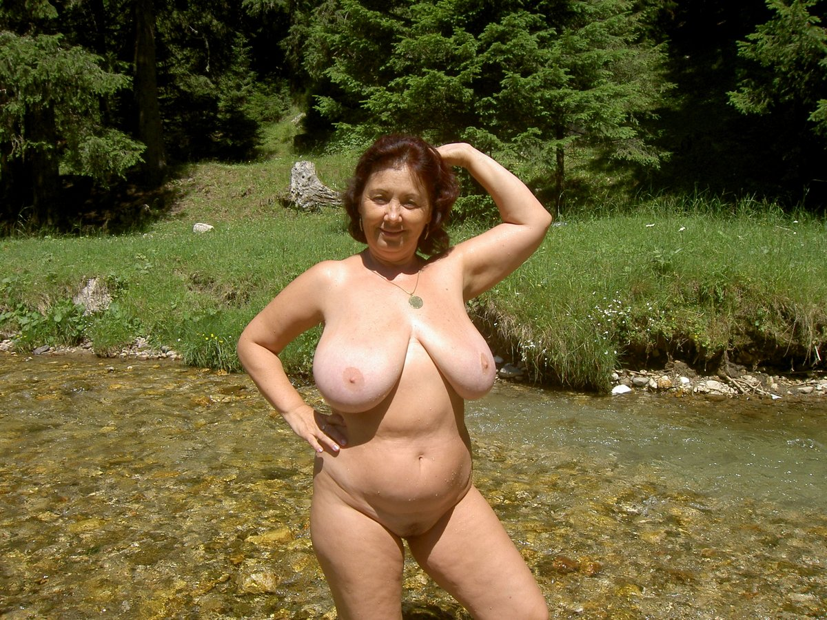 Mature chubby couples nude