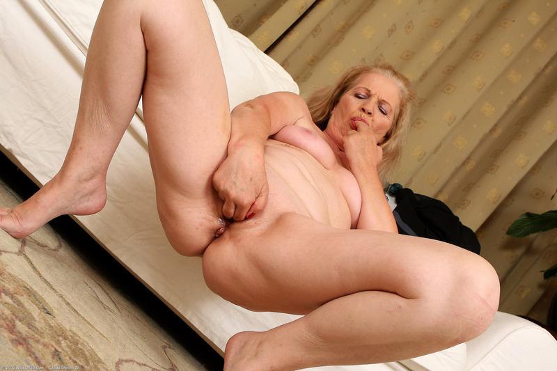Sexy Lesbian Porn Pics - Free Lesbian Sex