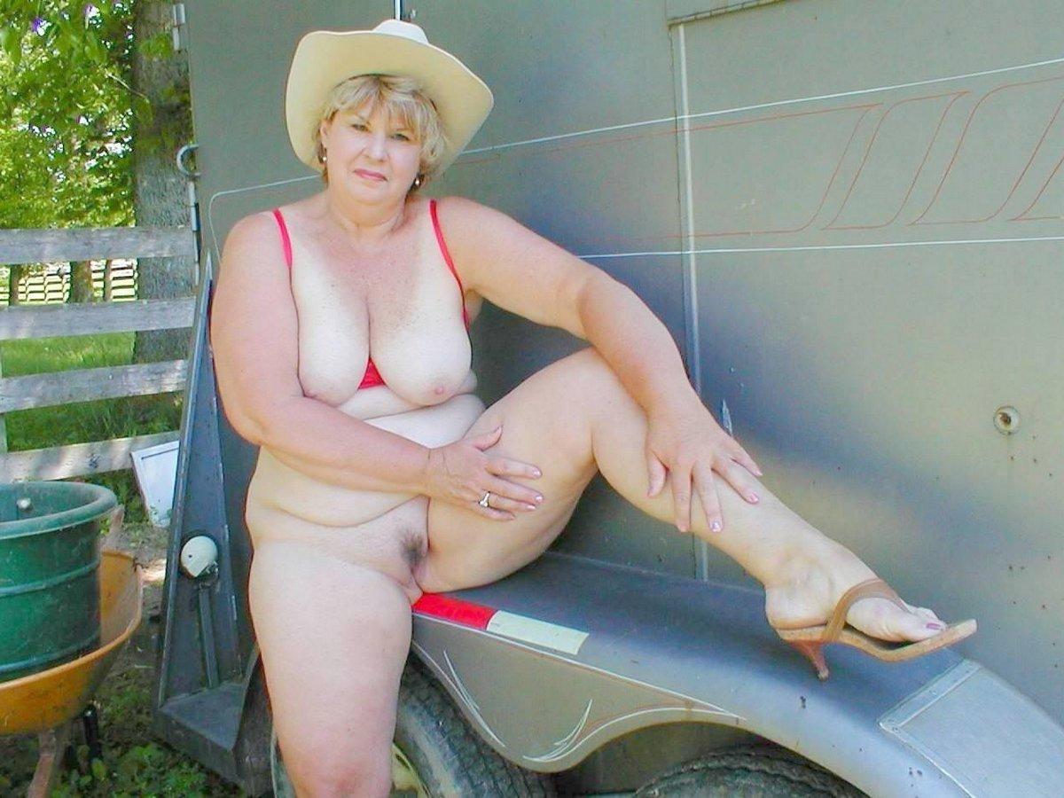 hot girls with big dildos