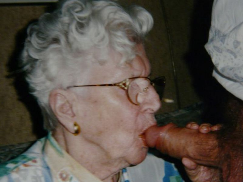 Old mature blowjobs