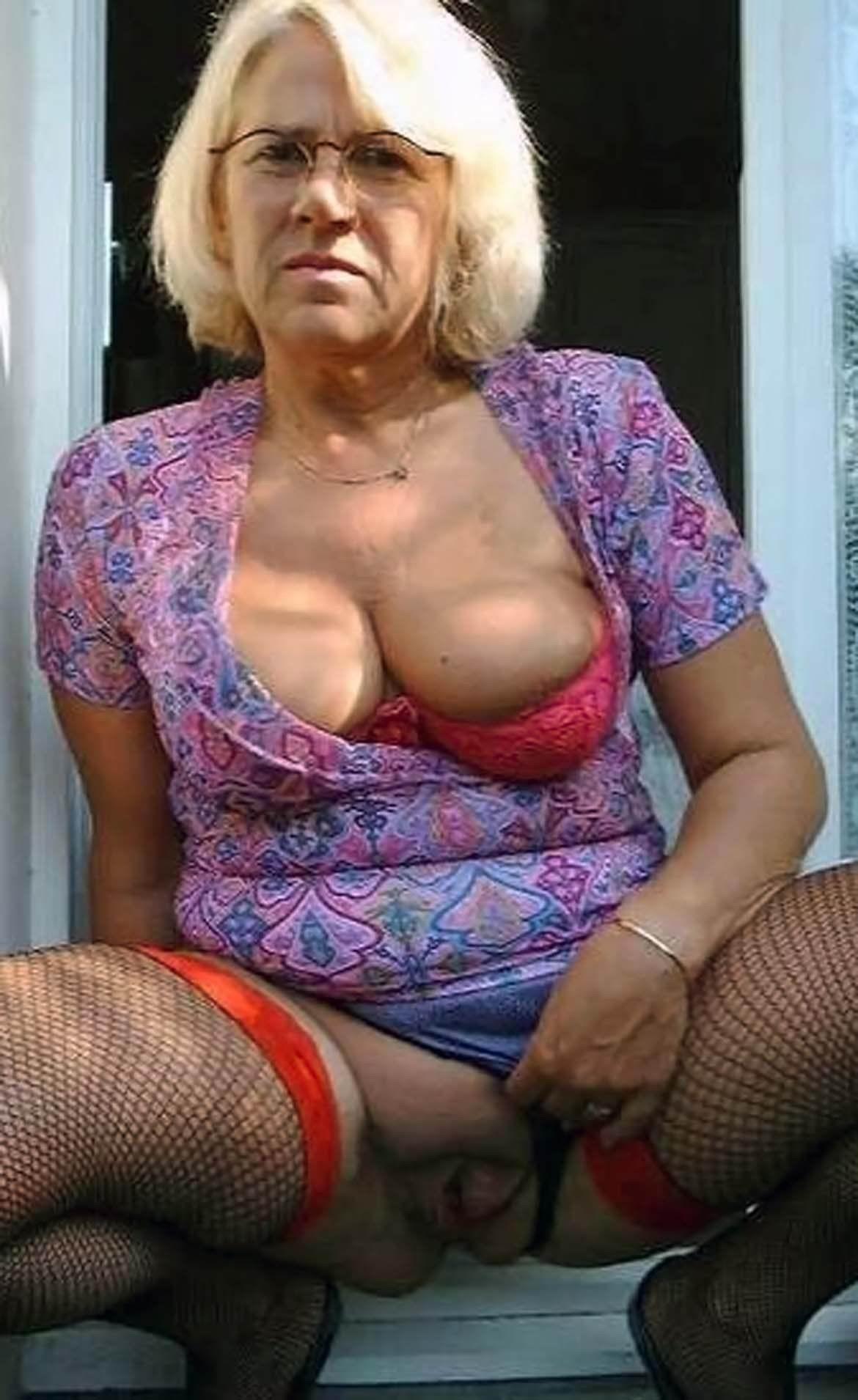 Gallery granny porn Granny Pussy