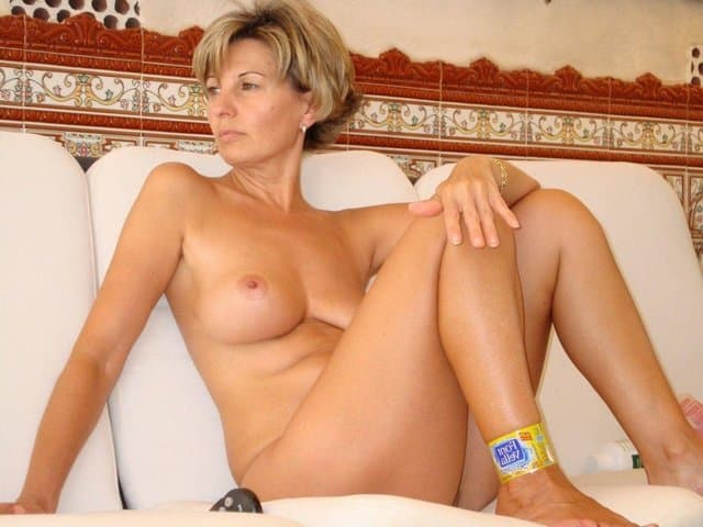 mature m oms mature pussy nude hairy moms contest