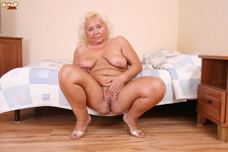 Mature Stockings Solo Hd