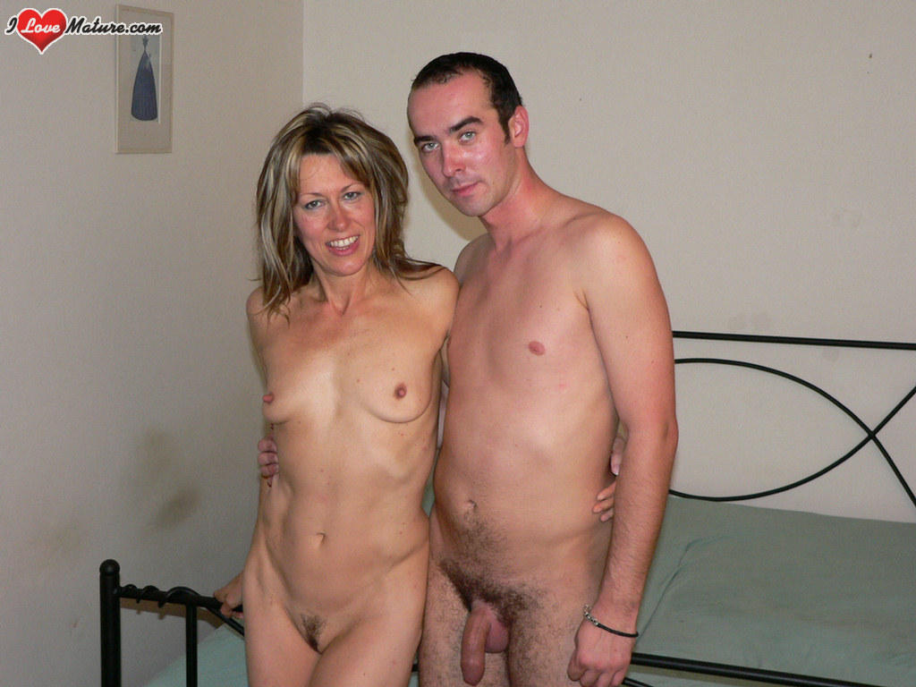 Hairy Mature Wife Squirting