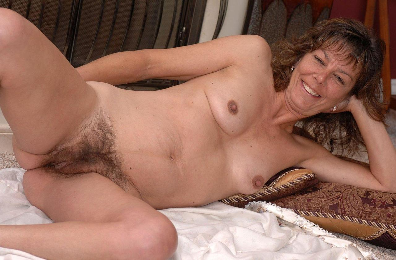 Pictures of amateur naked women