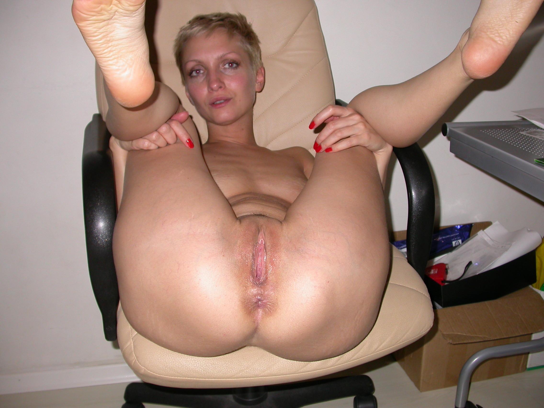 Порно онлайн зрелая короткостриженная блондинка фото 97-681