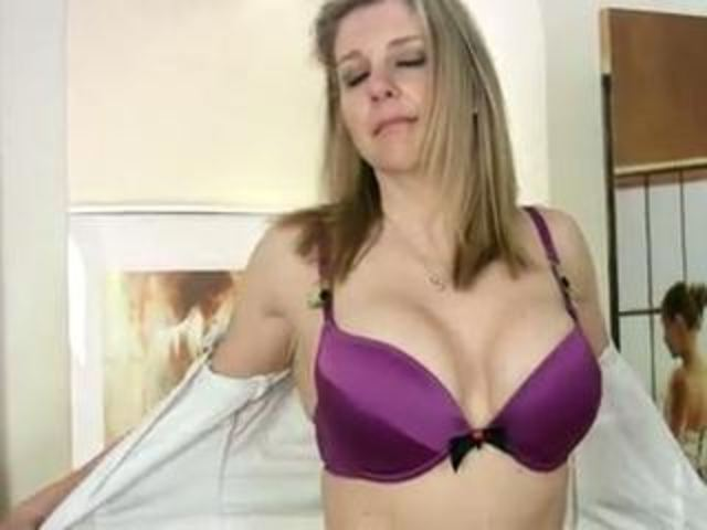 mature mom pic mature pussy mom dildo deep glass user shoves tonya