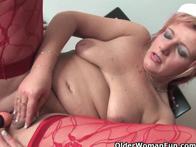mature mom pussy mature pussy mom kinky toys clit outfit rubs