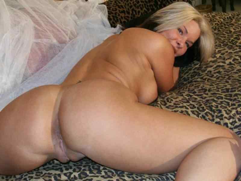 Milf bent over nude