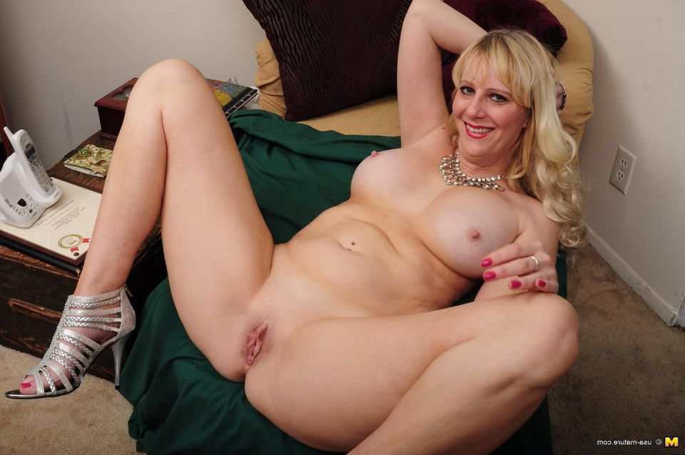Mom horny old milf takes home toy boy from gym and teases 2
