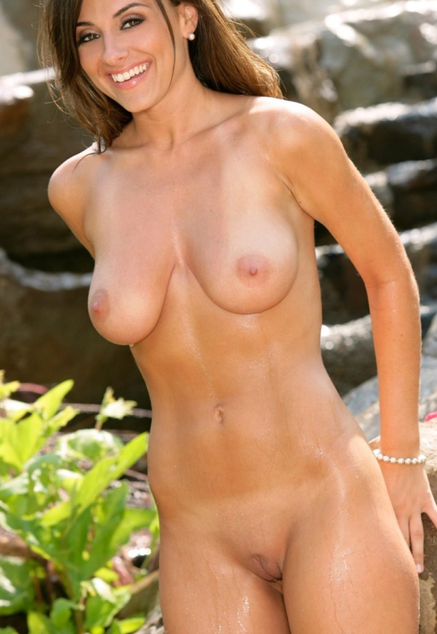Mature Sexy Nude Ladies
