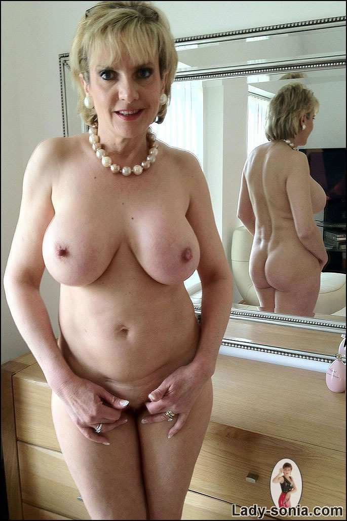 coqnu com escort girl mature