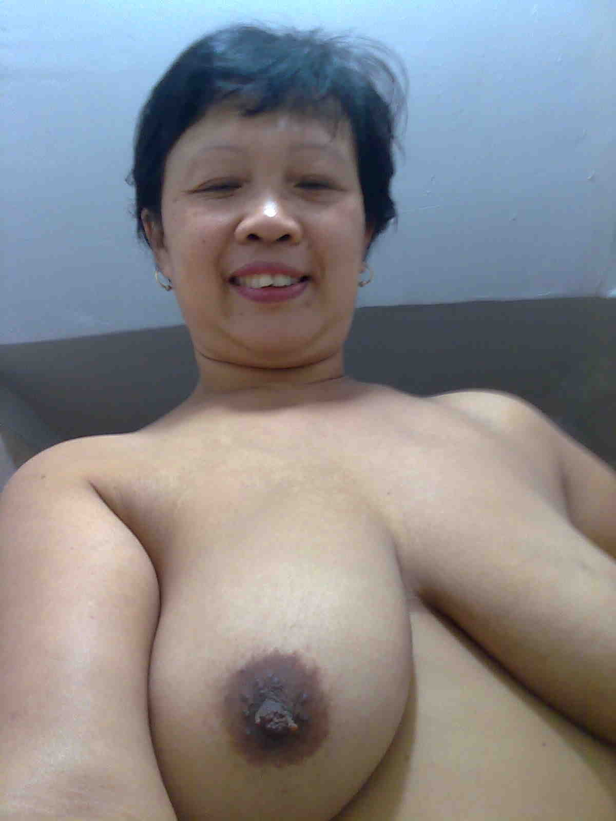 Quite good indonesian wife nude once and